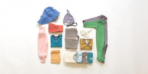 Set Babykleider für Sommer aus Bio Merino-Wolle, Seide, Leinen Miniloop Abo-Box Mini pastell dezentenFarben