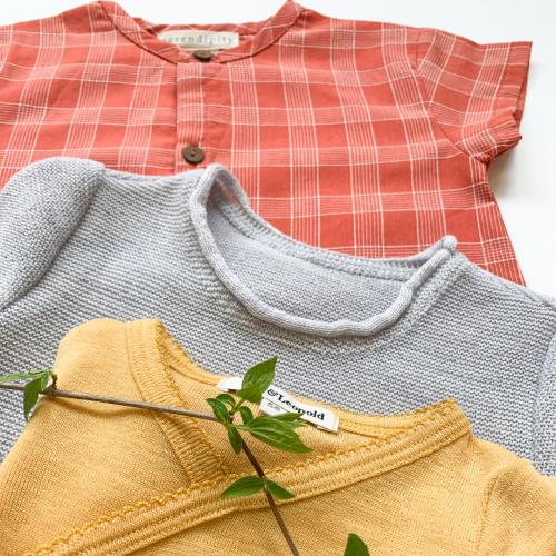 Set Babykleider für Sommer aus Baumwoll-Overall, Babyshirt aus Merinowolle, Body aus Merino-Wolle