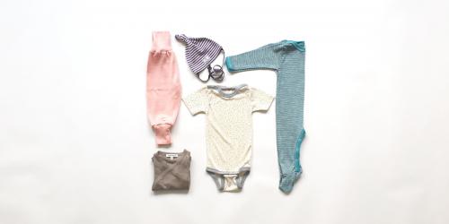 Set Babykleider für Sommer aus Bio Merino-Wolle, Seide, Leinen Miniloop Abo-Box Mini pastell dezente Farben