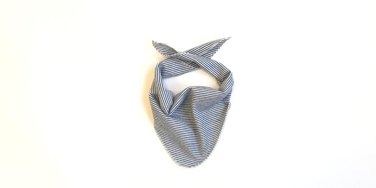 Baby Schal von Lilano blau-geringelt