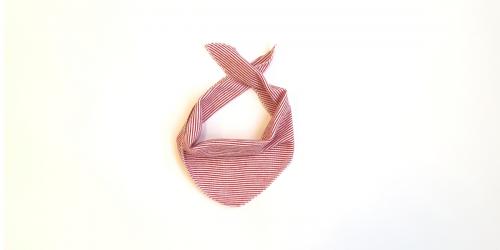 Baby Schal von Lilano rot-geringelt